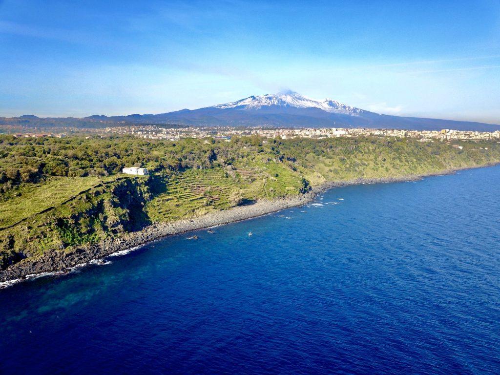 L'Etna vista dalla Timpa di Acireale
